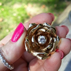 Jewelry - Absolutely stunning Blooming Rose Pin/Pendant